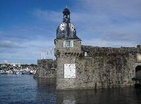 Le beffroi à l'entrée de la Ville Close à Concarneau